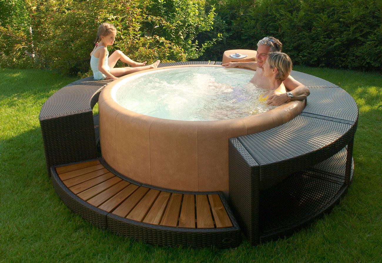 Vendita minipiscine e piscine fuori terra hellas piscine for Piscine fuori terra rigide