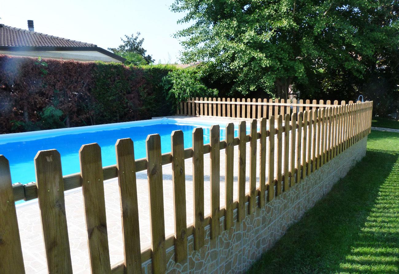 Come rivestire una piscina fuori terra finest come for Interrare piscina intex