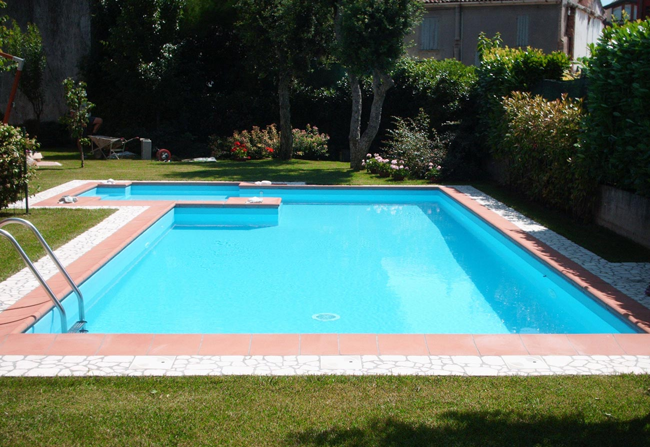 Gallery of piscine interrate immagine with immagini piscine for Montage piscine miroir